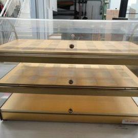 Vendita arredamento usato vetrine espositive fedeli for Arredamento parrucchieri usato